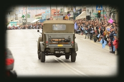 TRUCK, 1/2-ton, 4x4, Command Reconnaissance, Dodge T211-WC15_4
